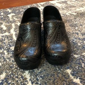 DANSKO PROFESSIONAL TOOLED CLOG SZ 38